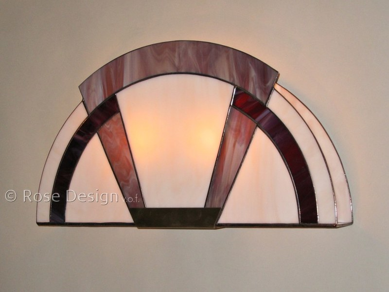 Arcade wandlamp, een Rose design Tiffany wand lamp.