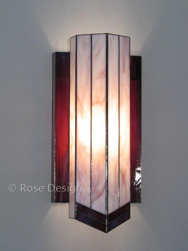 Delta , een Rose design Tiffany wand lamp.