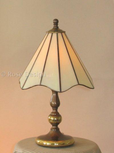 Lelie, een Rose design Tiffany tafellamp.