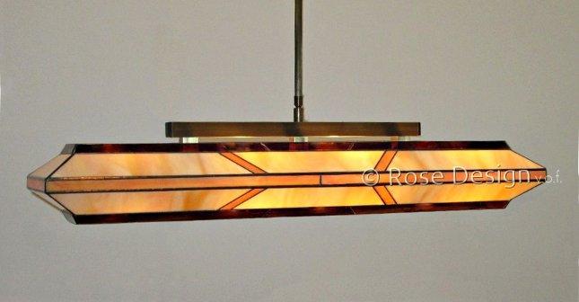 Silhouette 88cm. een Rose Design Tffany hanglamp.