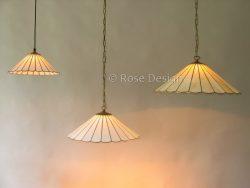 Waaiers-33, 45 & 55-cm een Rose design Tiffany hanglamp verkrijgbaar in drie verschillende maten.