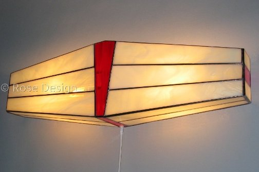 Wing wandlamp, een Rose Design Tifaany lamp.